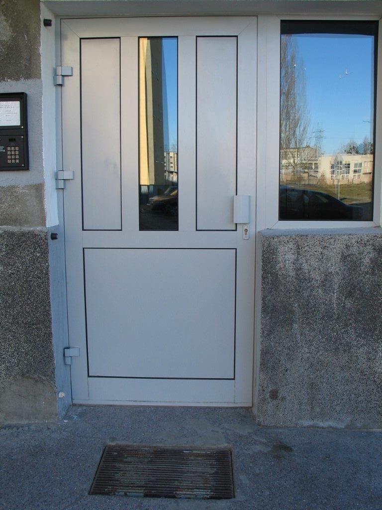 Drzwi wejściowe aluminiowe - Gdańsk ul. Wojska polskiego 35
