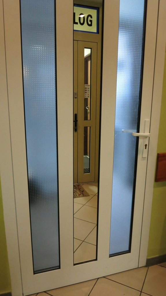 Drzwi wjściowe aluminiowe do gabinetu stomatologicznego Gdańsk ul. Wileńska
